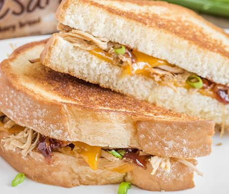 Pulled Pork & Cheddar Grilled Cheese